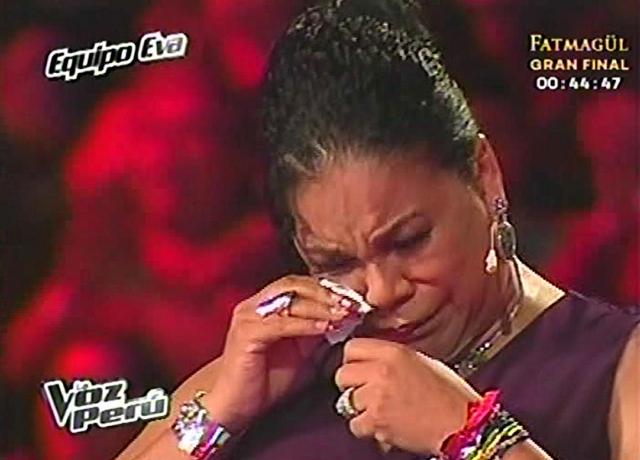 Eva Ayllón llora en la TV