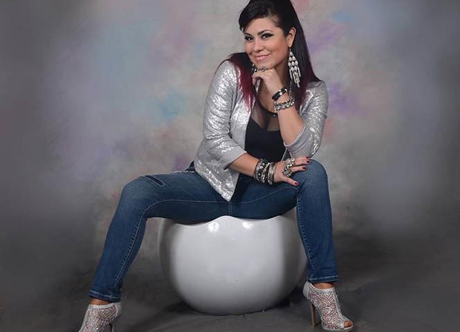 Pamela Abanto pide votos para la música criolla