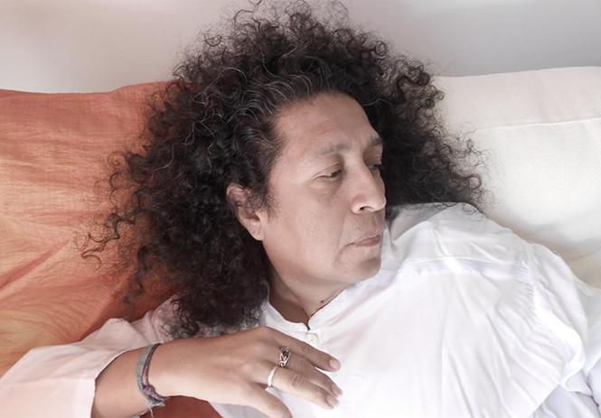 Richard Villalón, voz propia y sin etiquetas desde Sevilla