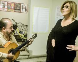 Periodista Mónica Delta y criollos en nuevo formato:  el unipersonal musical