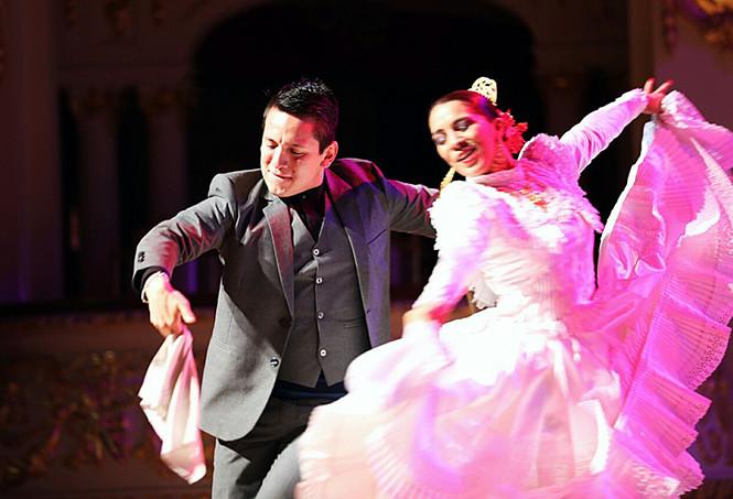 Día de la Marinera: Limeños lo celebran cantando y  bailando en teatros, plazas y en la calle