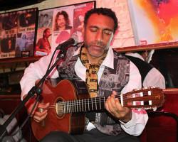 Octavio Santa Cruz rinde homenaje a Alicia Maguiña, Chabuca Granda y Victoria Santa Cruz