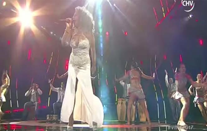 Festejo peruano hizo bailar al público en Viña del Mar