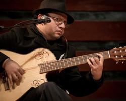 Renzo Gil y las voces de la Guardia Vieja en concierto homenaje por el 118º nacimiento de Felipe Pinglo