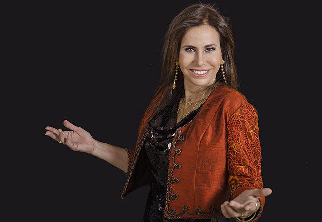 Julie Freundt reunirá en disco triple 30 años de canto al Perú