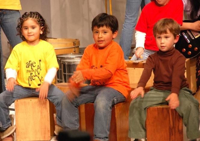 Enseñanza de folclore en colegios alentará revaloración de lo nuestro